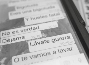 33404_cyberbullying-telefono-smartphone-mensajes
